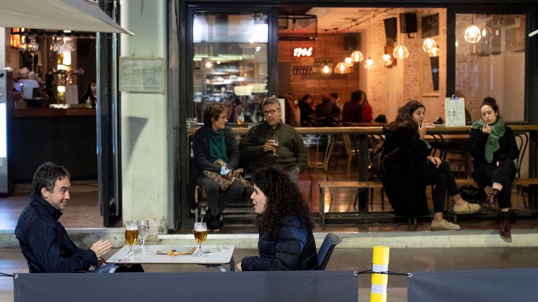 Cataluña permite la movilidad de familias en Navidad, pero deja a la restauración sin cenas