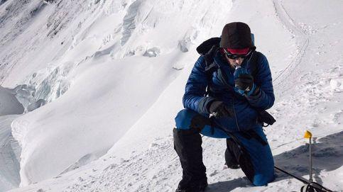 Kilian Jornet es el p… amo. Sube al Everest más ligero que nosotros al Aneto