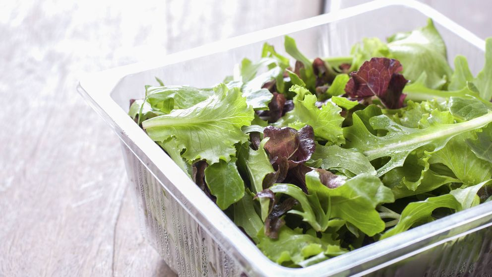El peligro biológico de los vegetales crudos