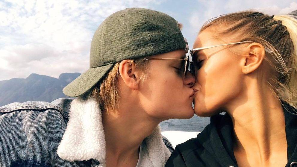El silencio del hijo de Mette-Marit (y las criticadas fotos de su novia)