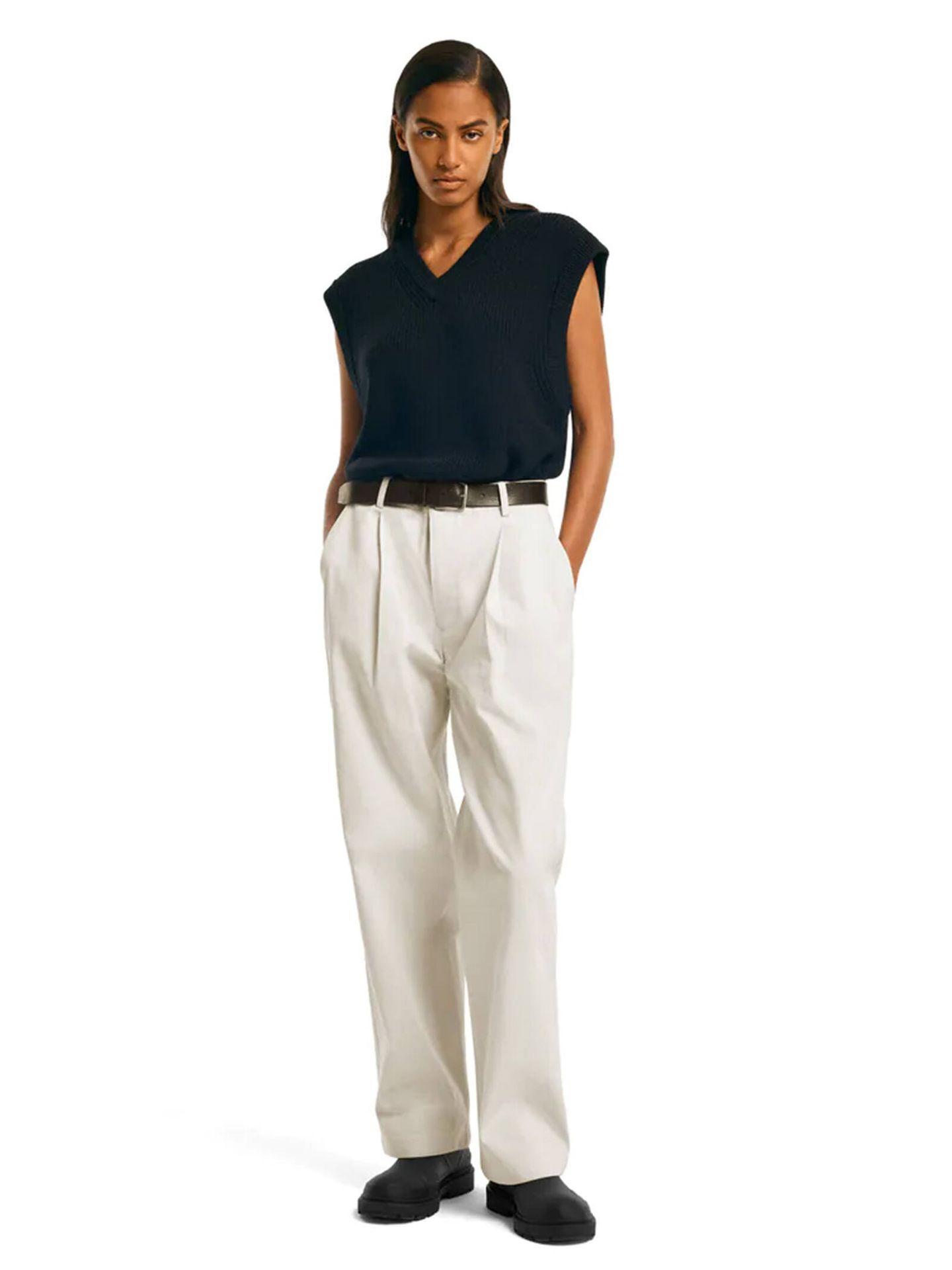 Conjunto de prendas básicas e imprescindibles de 'Zara Origins'. (Cortesía)