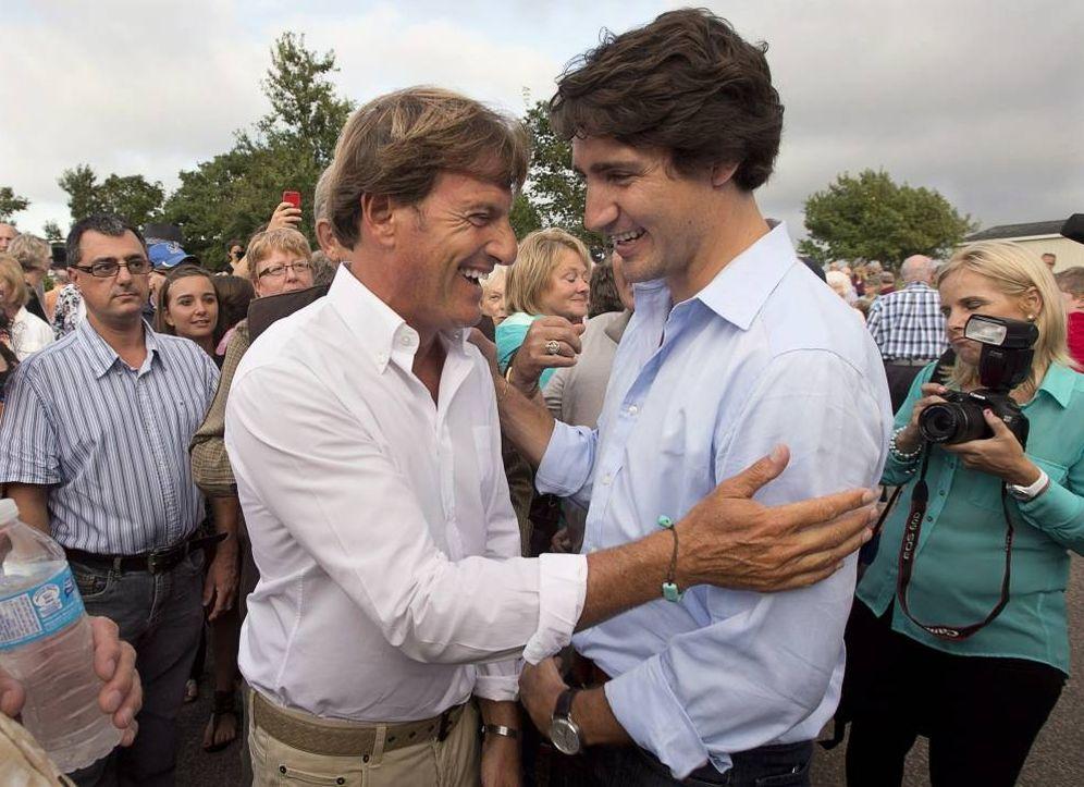 Foto: Justin Trudeau, con Stephen Bronfman, durante un acto de campaña en 2013.