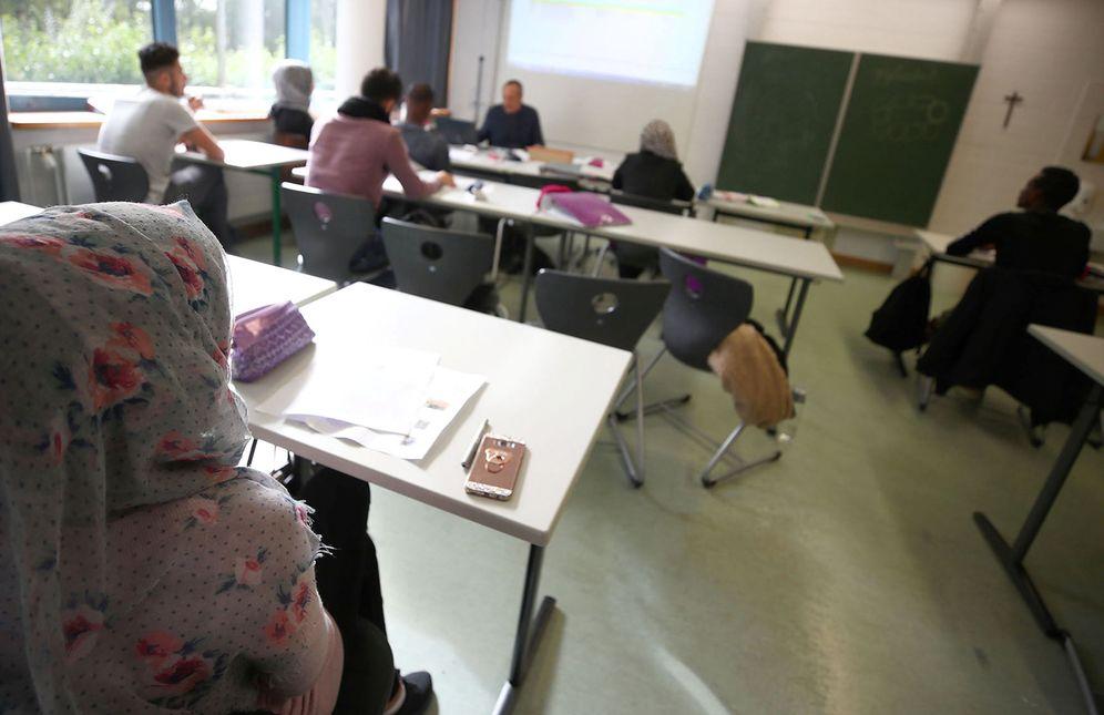 Foto: Migrantes estudian en una escuela de Weiden, Alemania. (Reuters)