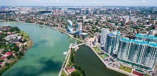 Post de España se aísla en Krasnodar, un infierno de coches y calor sin atractivo turístico