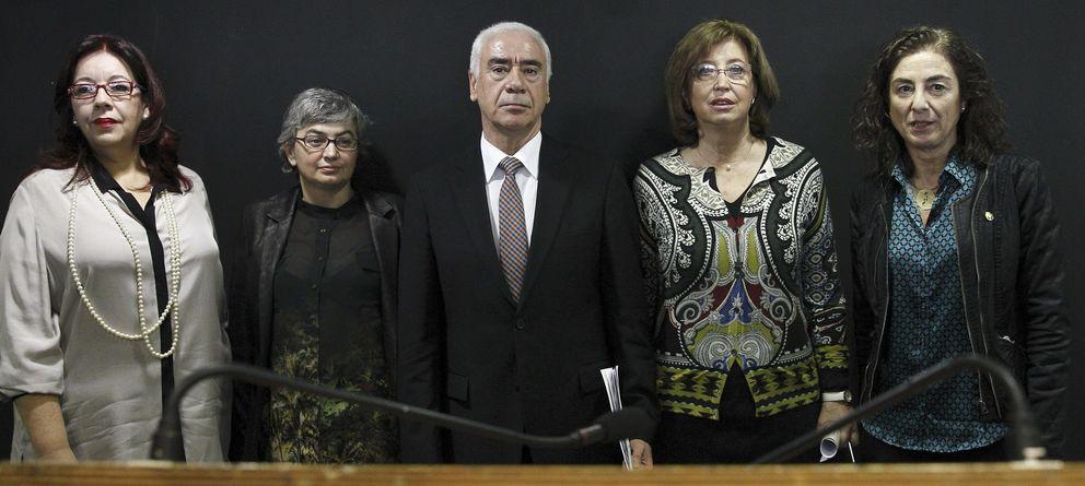 Foto: La consejera de Educación de Asturias, Ana González (2d). (Efe)