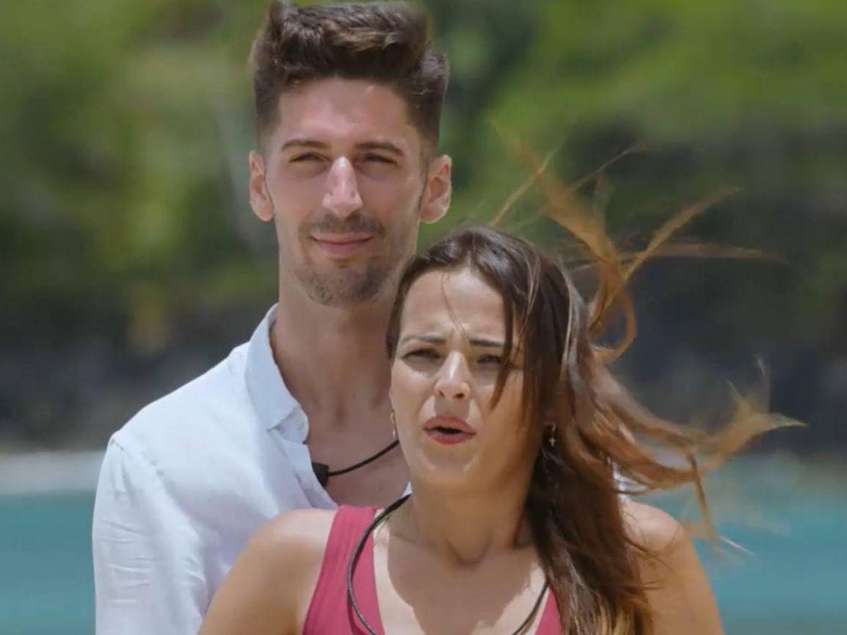 Foto: Lester y Marta, pareja de 'La isla de las tentaciones 2'. (Mediaset)