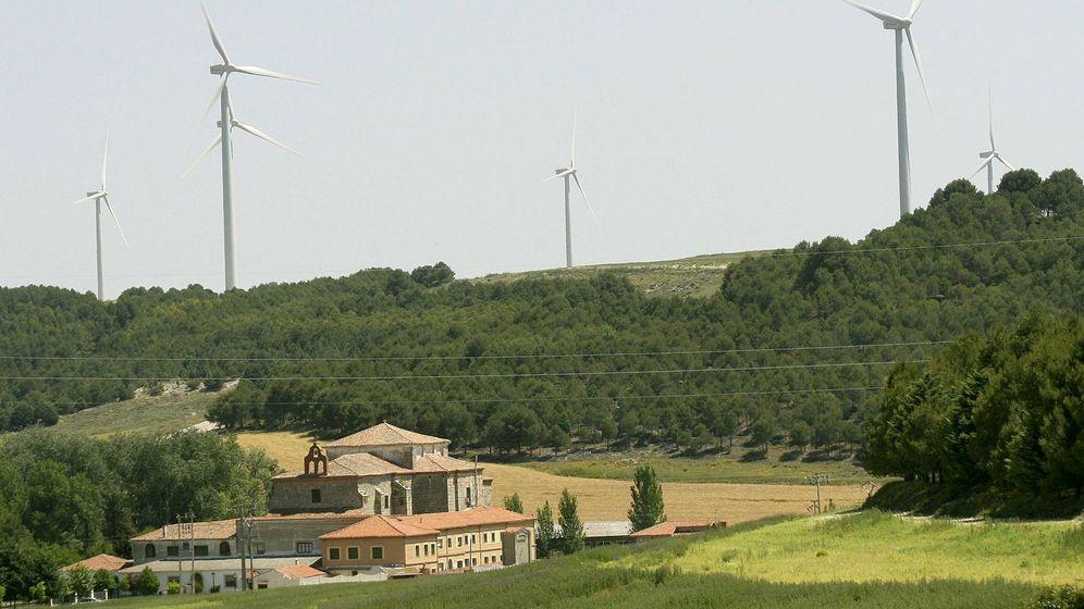 Foto: Imagen del parque eólico de Ampudia (Palencia). (EFE)