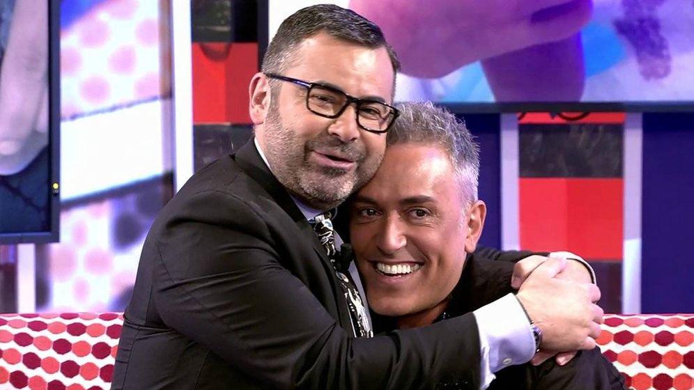 Foto: Jorge Javier Vázquez abraza a Kiko Hernández