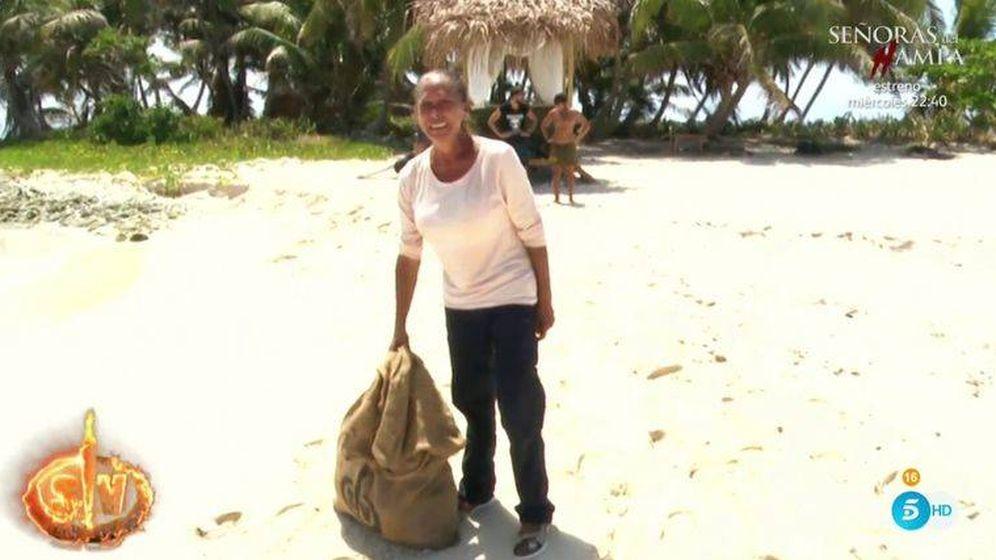 Foto: Isabel Pantoja, durante su crisis de ansiedad en 'Supervivientes'. (Telecinco)