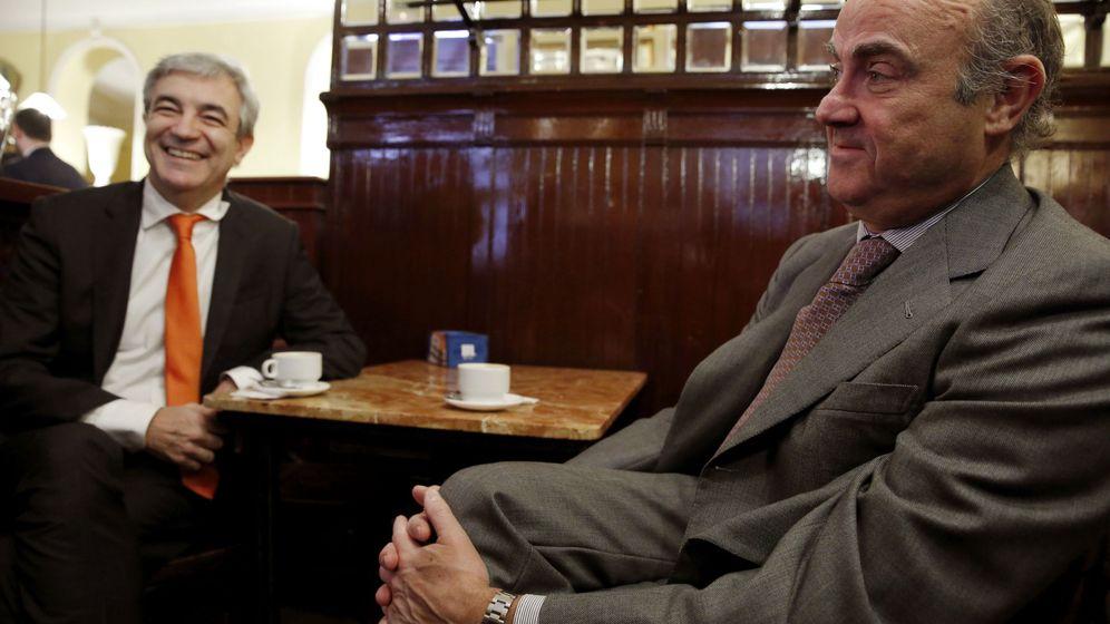 Foto: Luis Garicano junto a Luis de Guindos. (EFE)