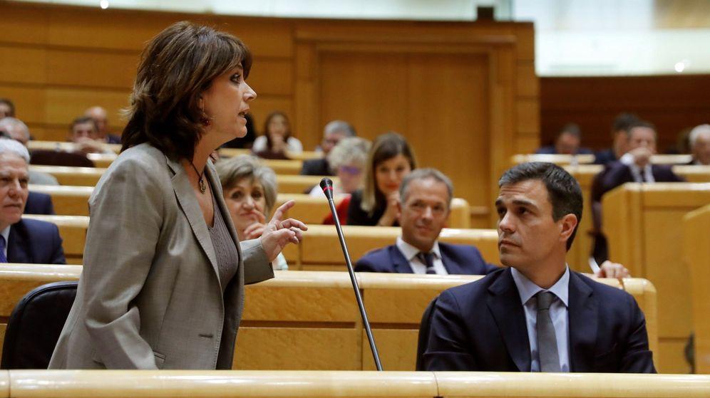Foto: El presidente del Gobierno, Pedro Sánchez, y la ministra de Justicia, Dolores Delgado. (EFE)