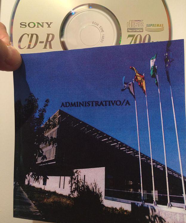Foto: Imagen del CD con las preguntas y respuestas de las oposiciones. (A.R)
