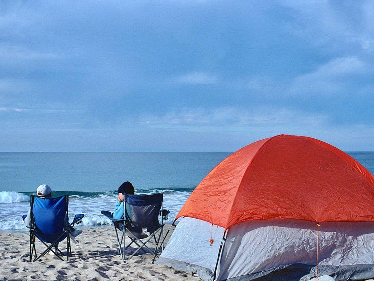Foto: Comodidad y movilidad con las mejores sillas de camping plegables (Michelle Sharp para Unsplash)