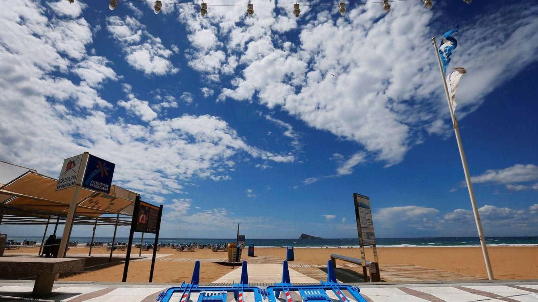 El Gobierno acelera para que toda España pueda ir a la playa en junio y salvar el verano