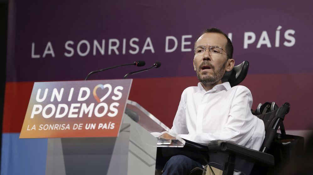 Foto: El secretario de Organización de Podemos, Pablo Echenique, durante su comparecencia posterior a la reunión que el Consejo de Coordinación. (EFE)