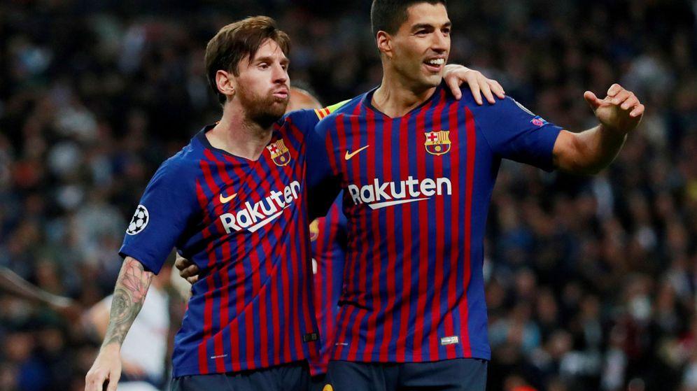 Foto: Leo Messi y Luis Suárez celebran un gol del FC Barcelona en Champions. (Reuters)