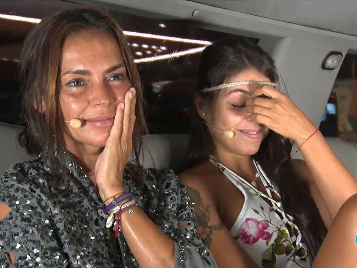 Foto: Olga Moreno y Lola, en 'Supervivientes'. (Mediaset)