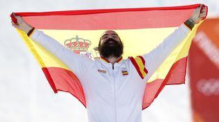 Sí, Regino, en España no todo es fútbol, pero el fútbol sostiene el deporte español