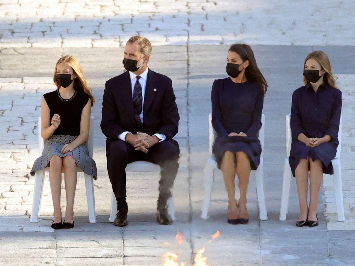 Foto: La familia real, en el homenaje de Estado. (EFE)