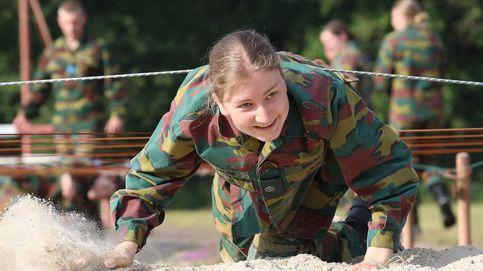 Reptando, escalando... Las imágenes del duro entrenamiento militar de Elisabeth de Bélgica