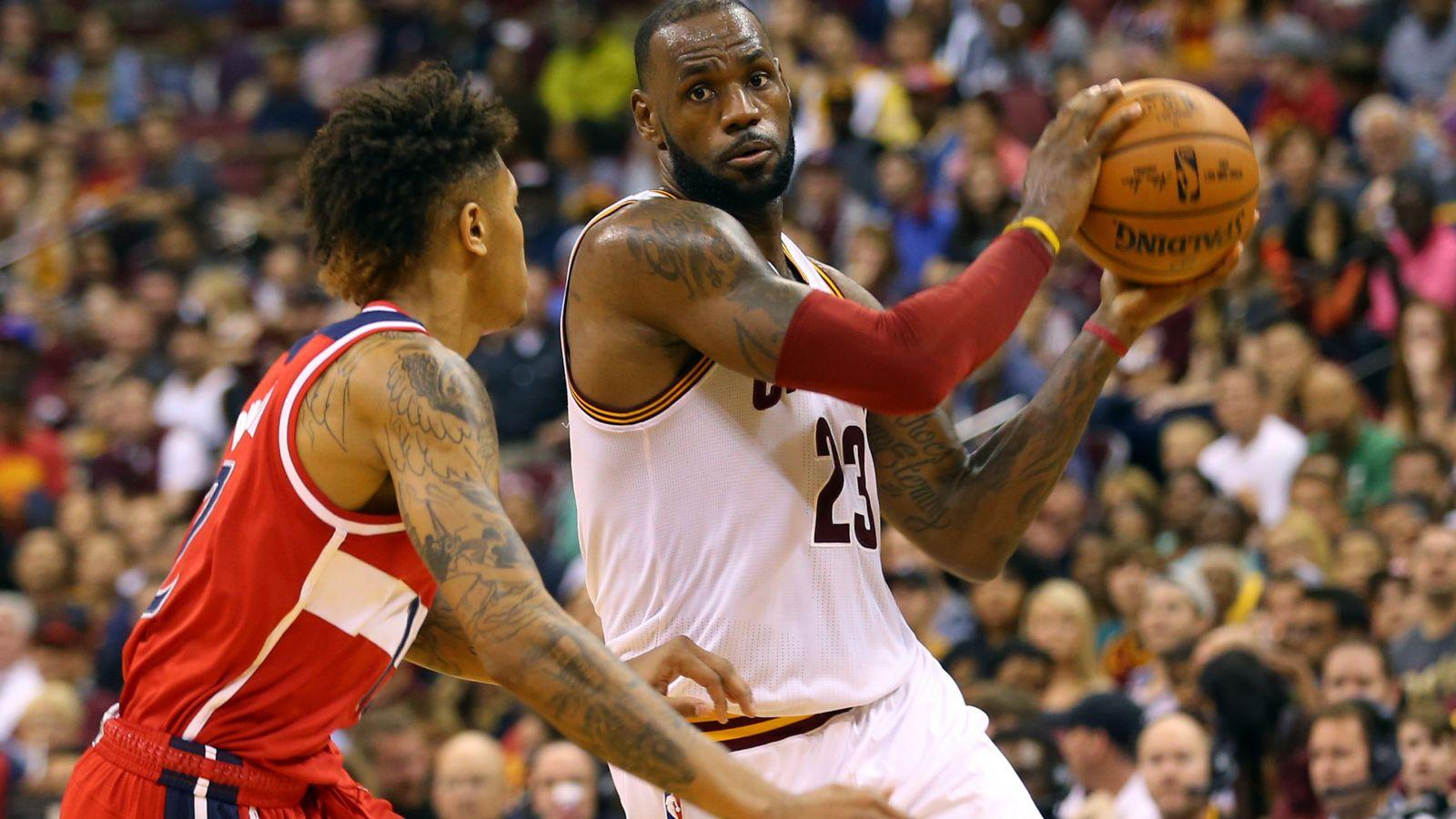 Foto: LeBron James, en pretemporada (Reuters)