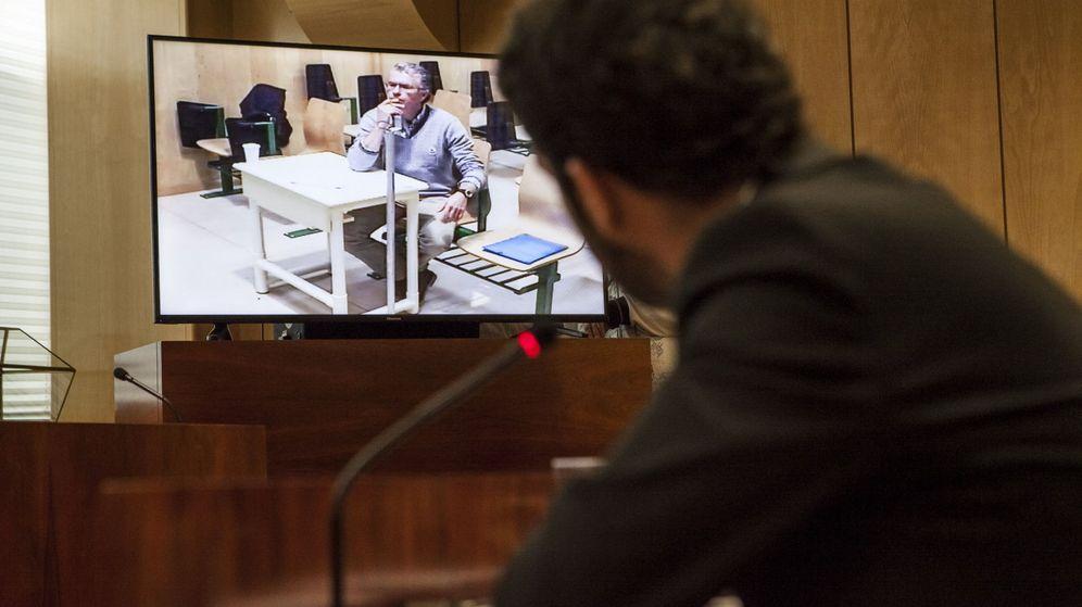 Foto: El exconsejero y exsecretario general del PP de Madrid Francisco Granados comparece por videoconferencia desde la prisión de Estremera. (EFE)