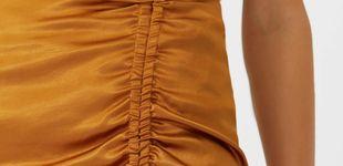 Post de Si quieres parecer más alta y delgada,  enfúndate en esta falda lápiz de Stradivarius