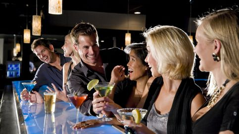 Charlas de borrachos: las 10 conversaciones de bar que más vas a escuchar estos días