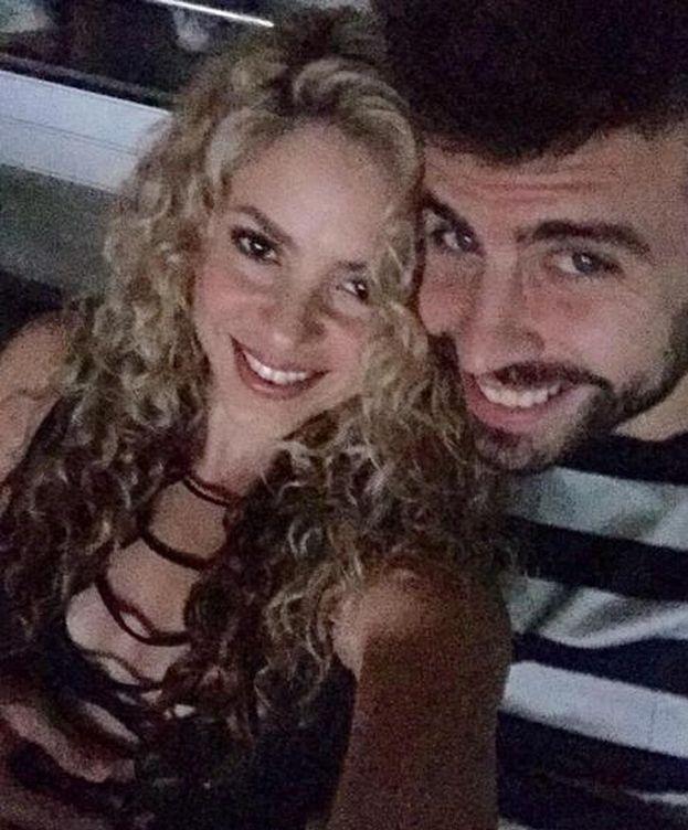 Foto: Shakira y Piqué durante el concierto de U2 (Instagram)