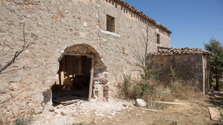 Entrada a la iglesia de La Mercadera, fechada en el siglo XI. (D.B.)