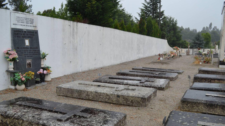Una tumba sin nombre vigilada por 'antifas': el Franco portugués no tiene quien le escriba
