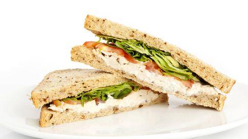 Sándwich de pollo en ensalada cremosa, ¡hay que probarlo!