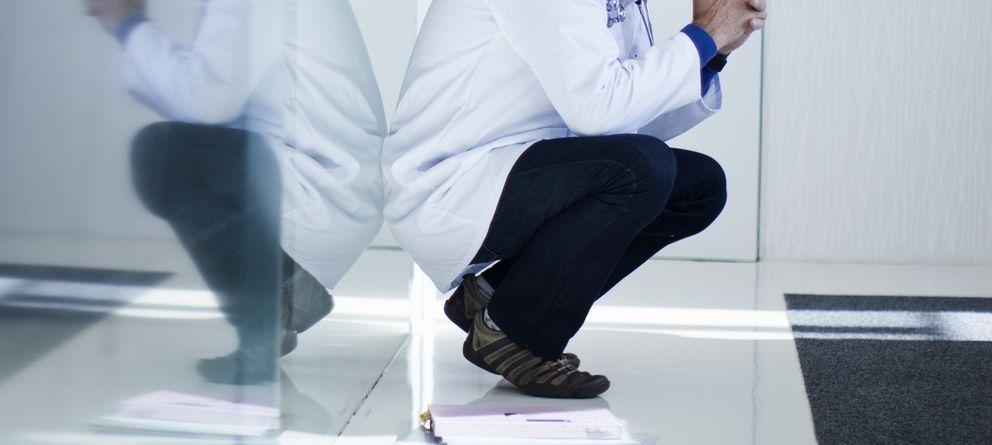 Foto: La de médico es una profesión vocacional y, a la vez, altamente frustrante. (Corbis)