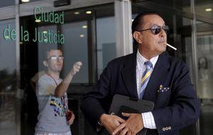 Julián Muñoz en los juzgados y Pantoja de concierto