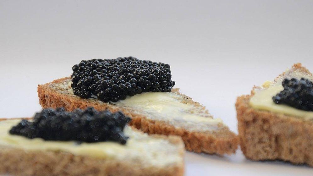 Foto: Tostas con caviar.