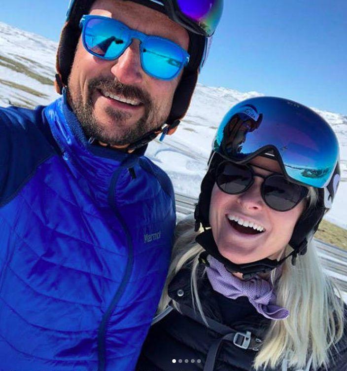 Foto: Mette-Marit y Haakon de vacaciones. (Instagram: @crowonprincessmm)