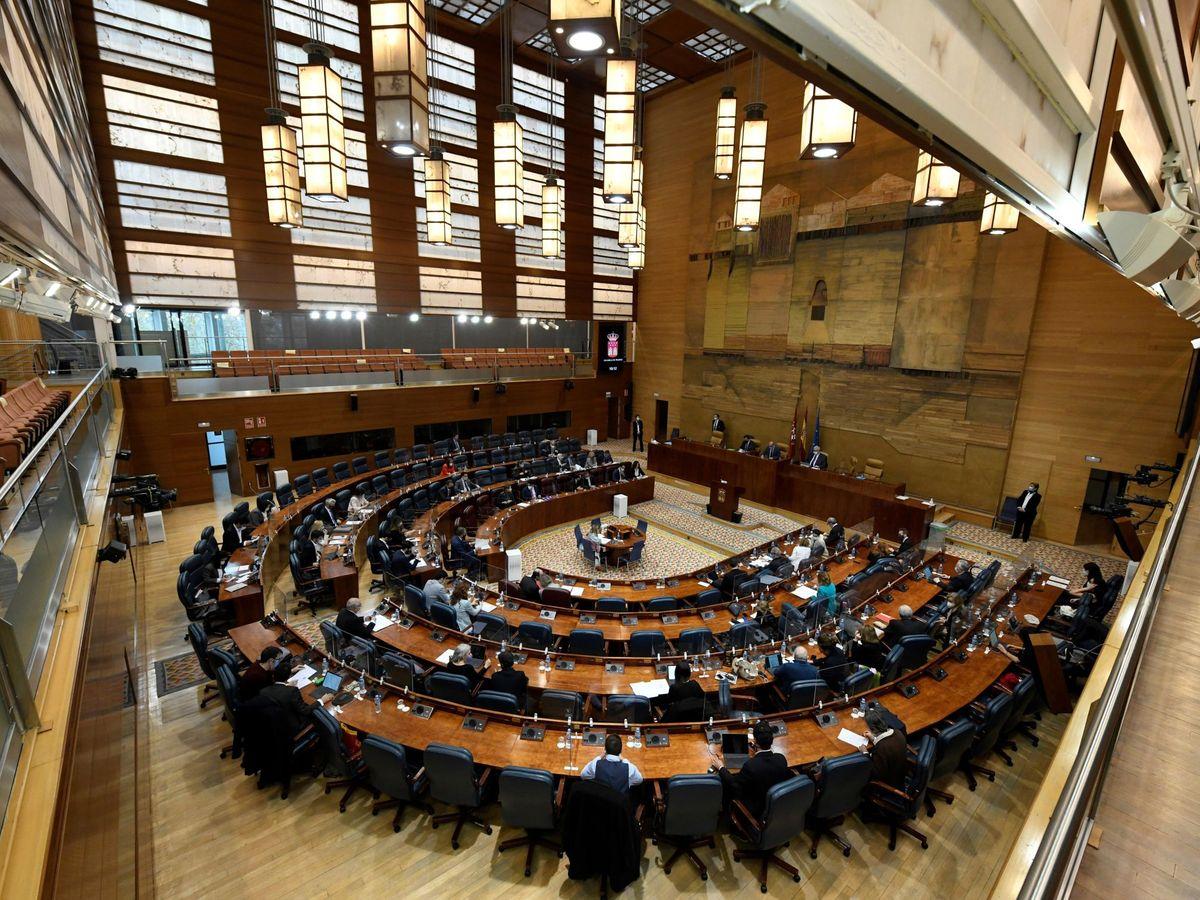 Foto: Vista general de la Asamblea de Madrid. (EFE)