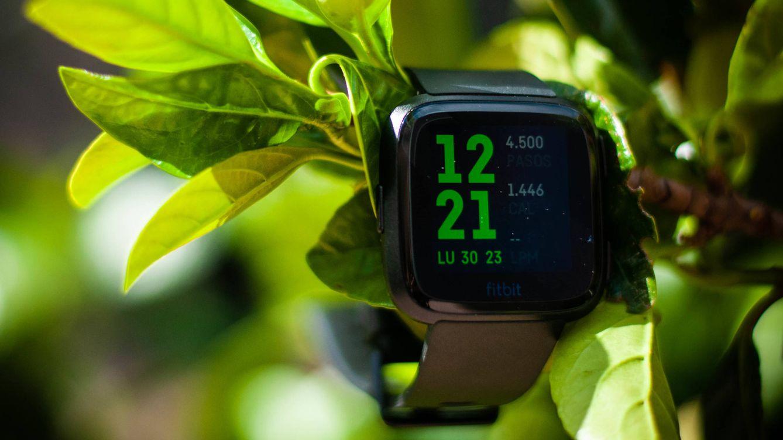 Google se lanza al mercado de pulseras deportivas: compra Fitbit por 2.100 millones
