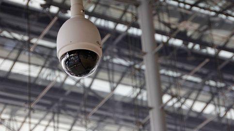 Cómo configurar tu cámara de seguridad para que puedas vigilar (y que nadie te espíe)