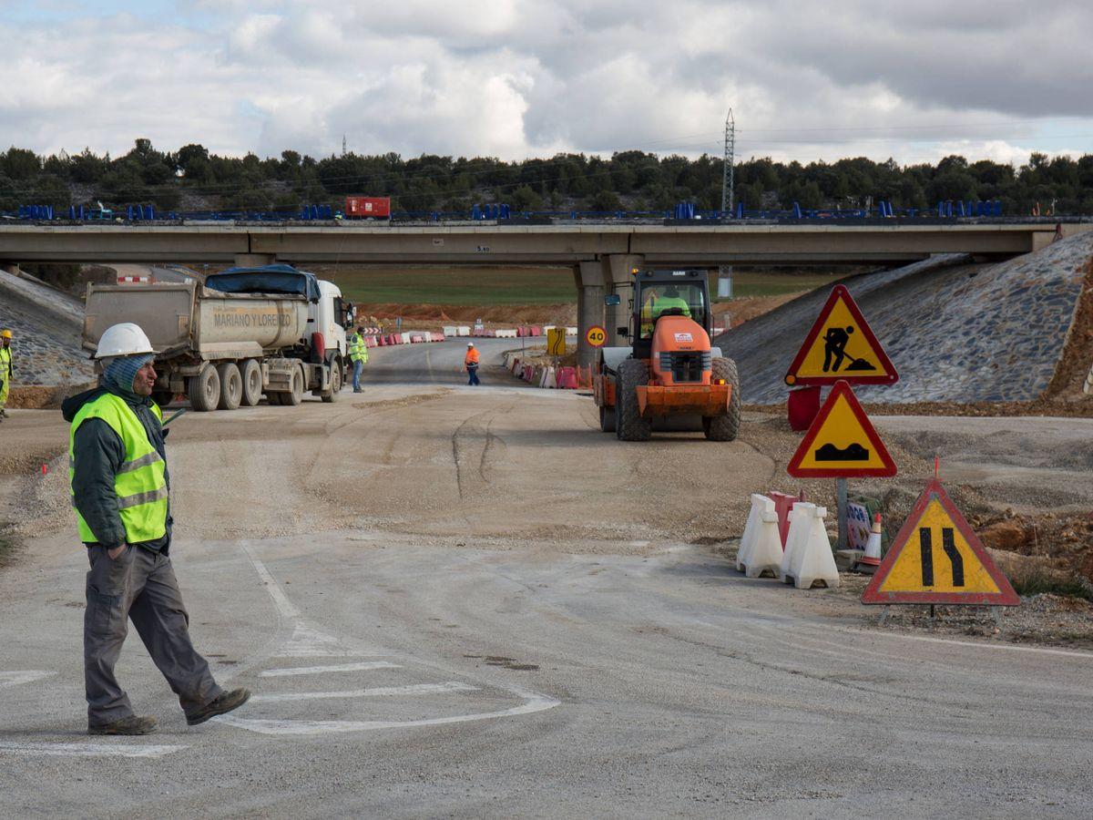 Foto: Construcción de la Autovía del Duero en Venta Nueva. (D.B.)