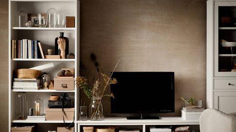 Salones pequeños con espacio para todo gracias a esta novedad en forma de mueble