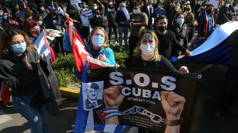 Enfrentamientos entre cientos de manifestantes cubanos en Santiago de Chile