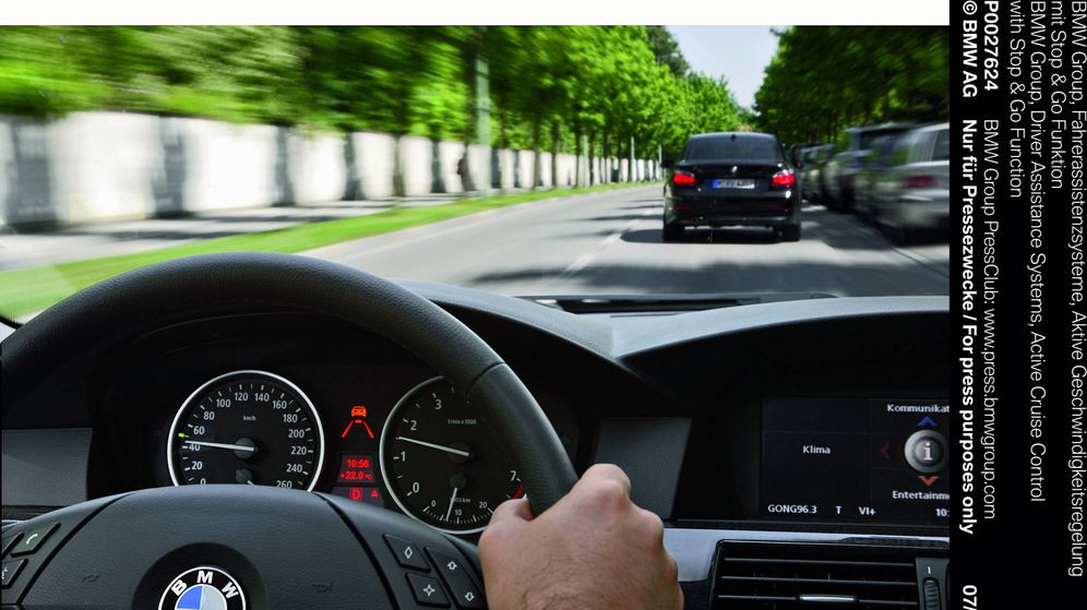 Foto: El problema es que cada conductor circula a la velocidad que quiere y la DGT solo sabe poner radares.
