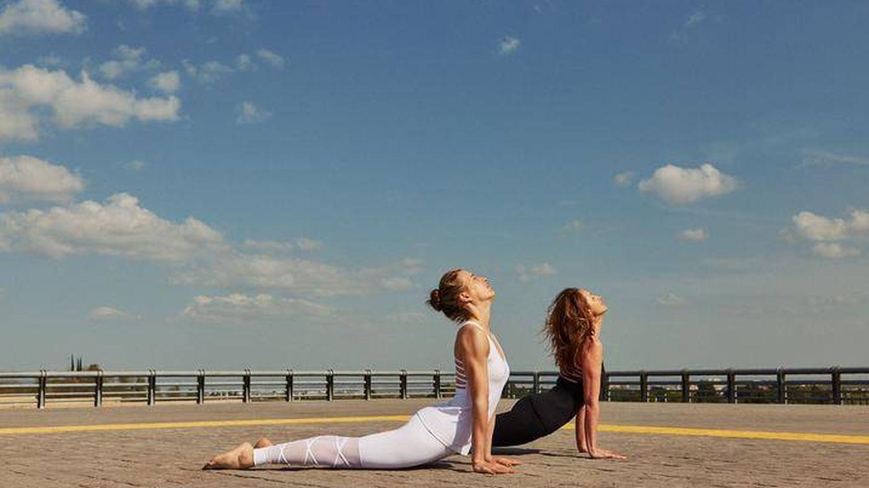 Este es el neceser imprescindible de una yogui
