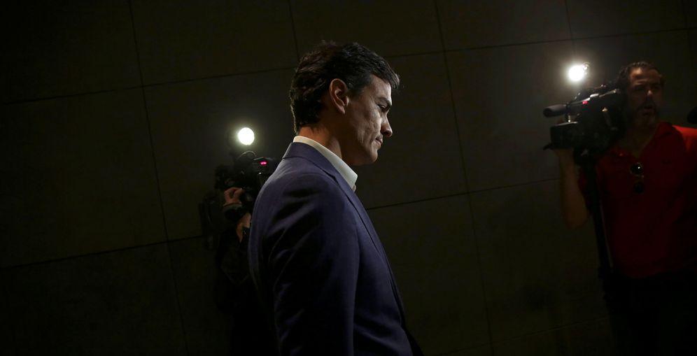 Foto: Pedro Sánchez, tras dimitir como diputado del Congreso, el pasado 29 de octubre. (Reuters)