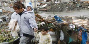 Tokio reduce su actividad y toma precauciones ante la amenaza radiactiva