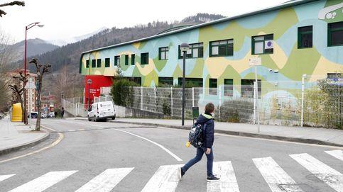 Ventilar las aulas no reduce el riesgo de contagio lo suficiente, según un estudio