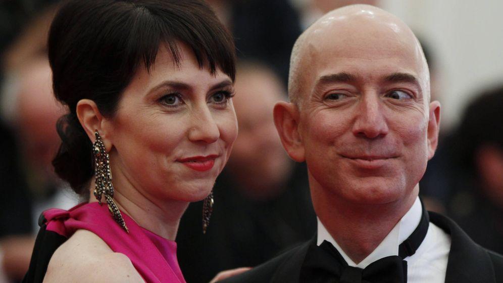 Foto: Mackenzie Bezos con su marido Jeff, fundador de Amazon. (Reuters)