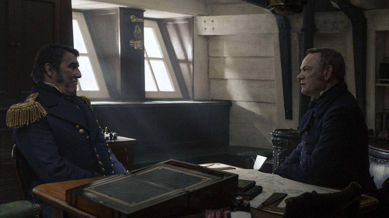El Capitán Franklin y el Capitán Crozier reunidos en una imagen de 'The Terror'. (AMC)