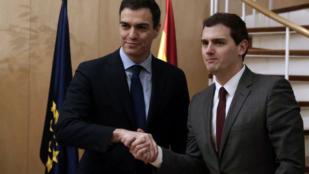 El PSOE presiona a Podemos al exhibir la inminencia de un pacto con Rivera